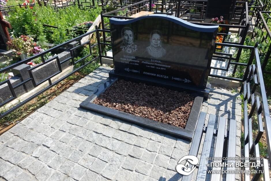 Памятник Роза из двух видов гранита Лобня усть-каменогорск памятник на могилу